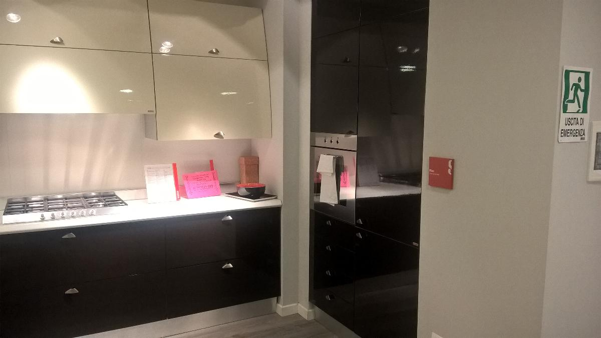 http://www.cutini.it/images/image/outlet/scavolini-flux-2.jpg