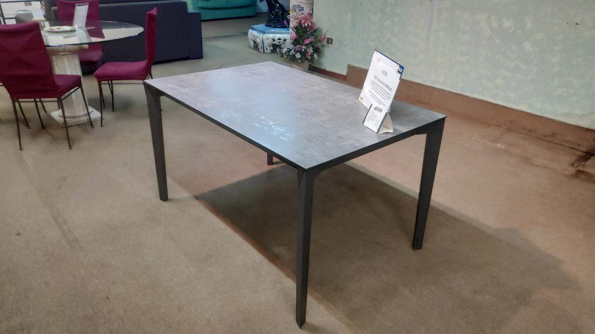 Tavoli e sedie - Fratelli Cutini Mobili Srl - Roma